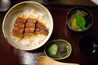 22 鰻丼