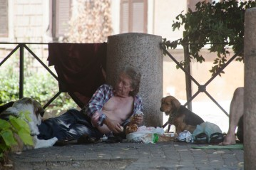 Homeless by Piazza Trilussa